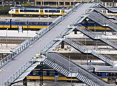 Fußgängerbrücke Rotterdam Hauptbahnhof